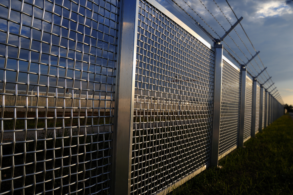 High Security Fences The Norlap Fencing Company In
