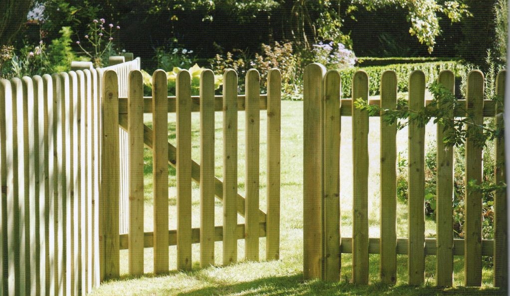 Picket Fence Gate In Natural Wood